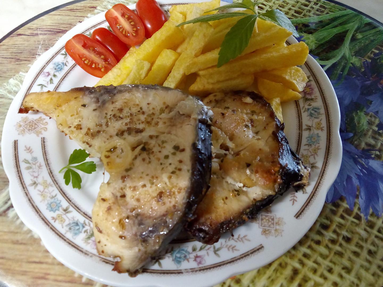 Amur pečený na másle s medvědím česnekem