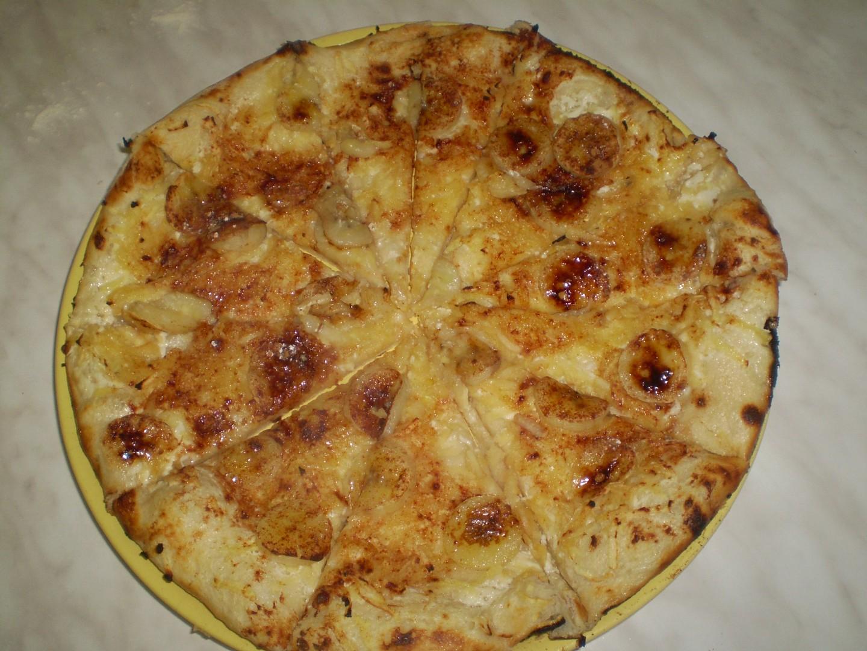 Banánová sladká pizza