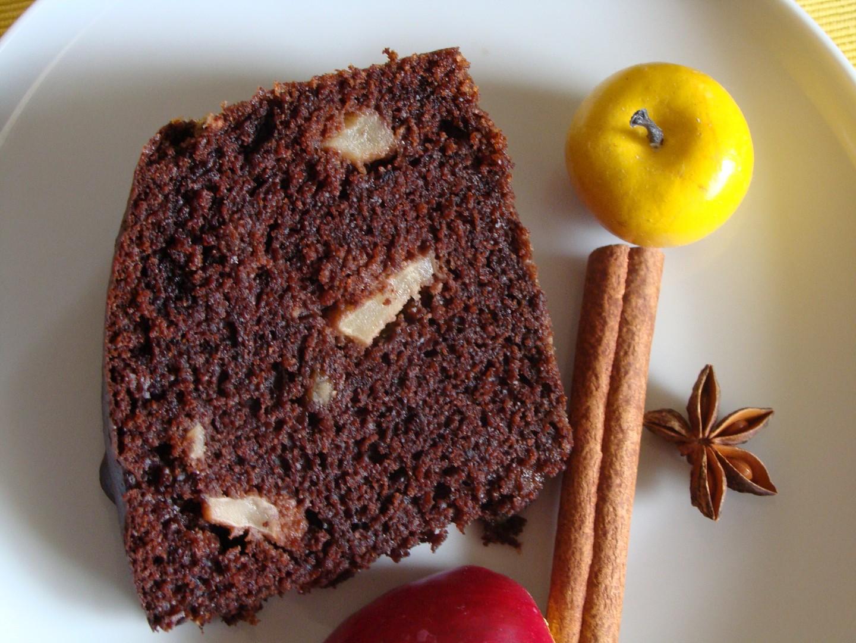 Čokoládový koláč s jablky a chutí perníku