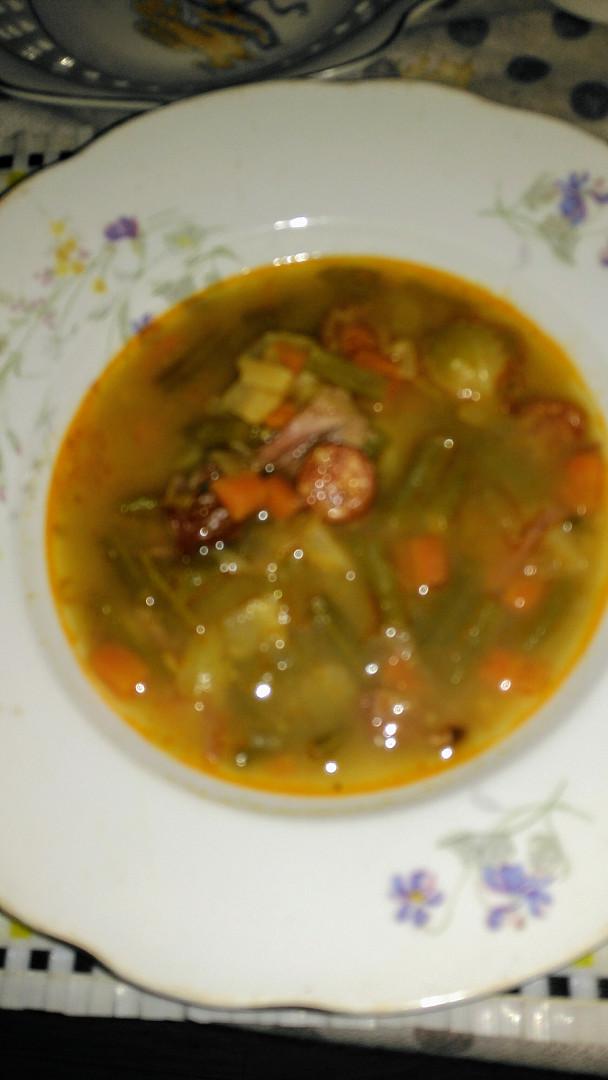 Fazolková polévka z uzeného vývvaru