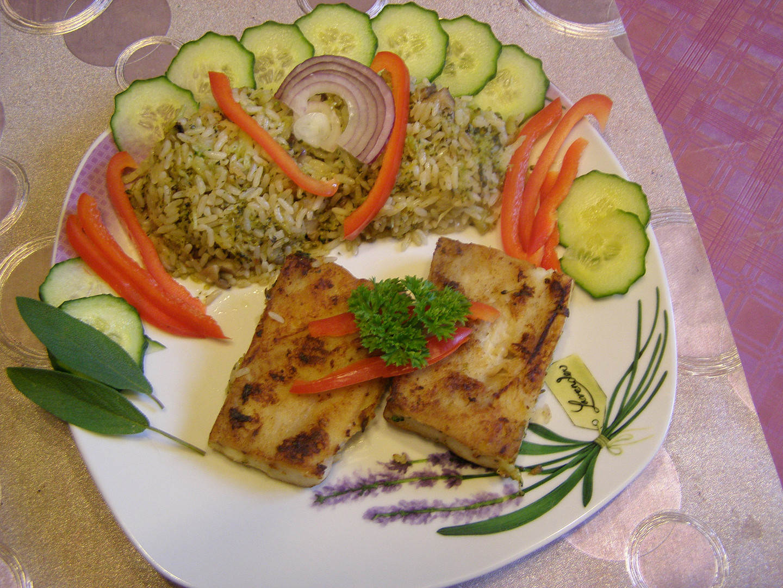 Filé z tresky s brokolicovo - hlívovou rýží
