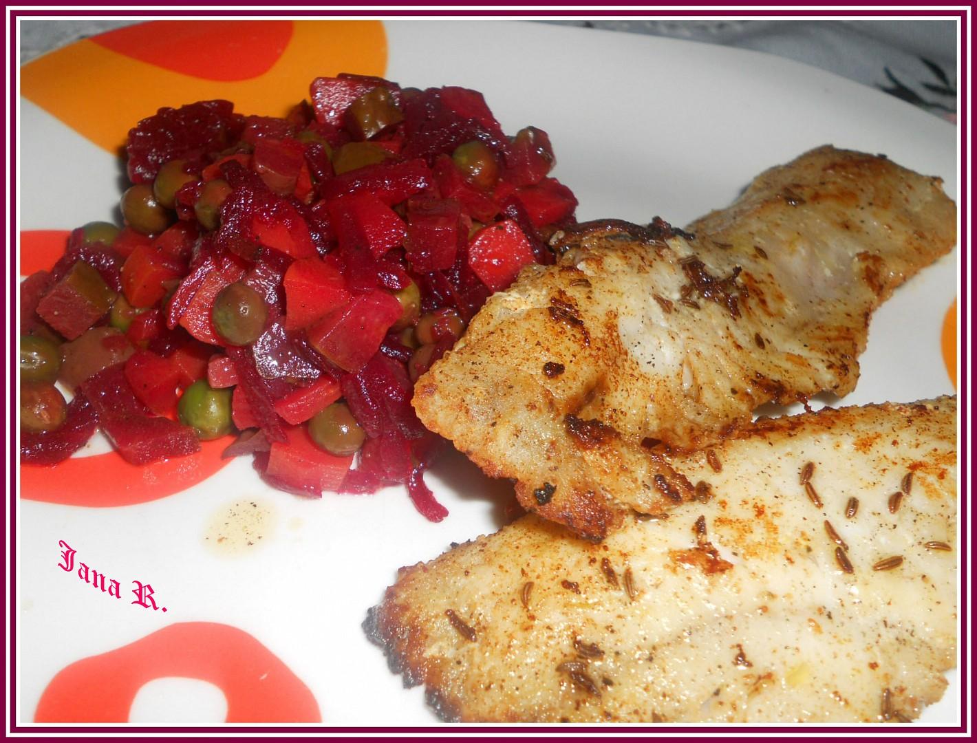 Filet z mořské štiky na másle se salátem z červené řepy