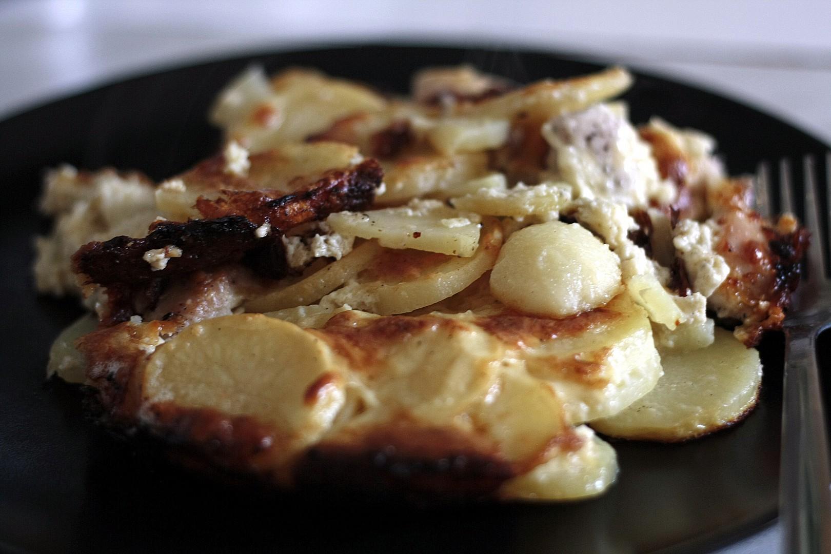 Gratinované nové brambory s kuřetem