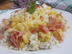 Halušky z bramborového těsta, se dvěma druhy sýrů a slaninou