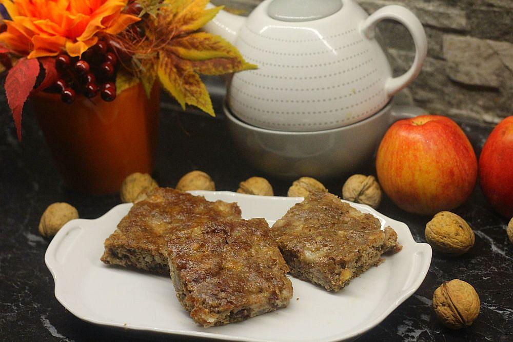 Jablečno-ořechové řezy bez mouky
