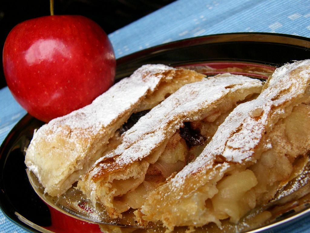 Jablkový závin z listového těsta