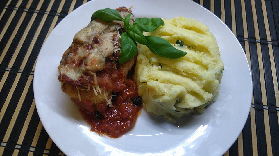 Kuřecí maso s mozzarellou a šťouchané bazalkové brambory