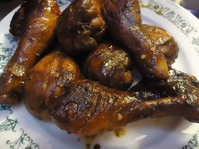 Kuřecí paličky na černém pivu s medem a chilli