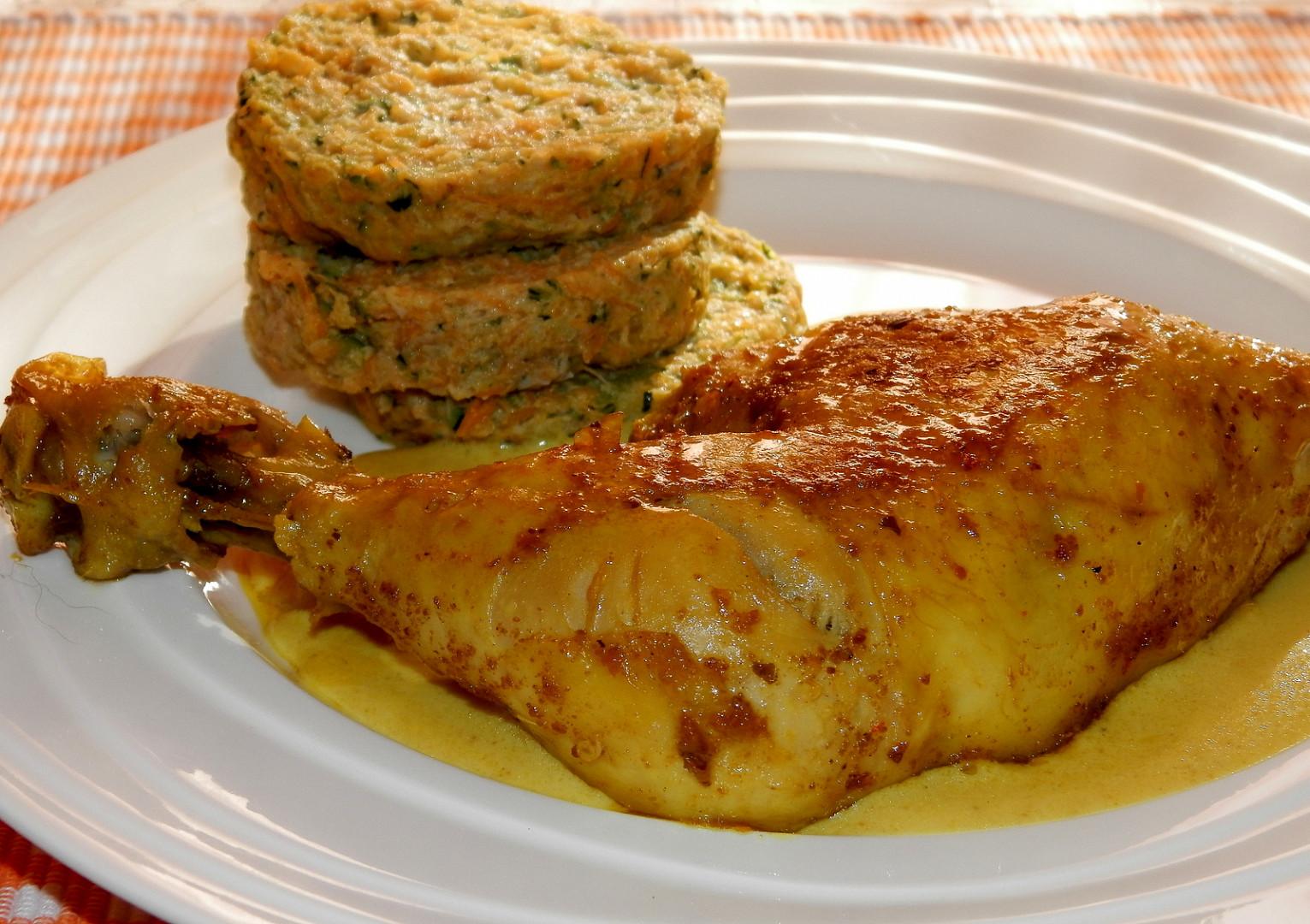 Kuřecí stehno s dijonskou omáčkou a zeleninové knedlíky