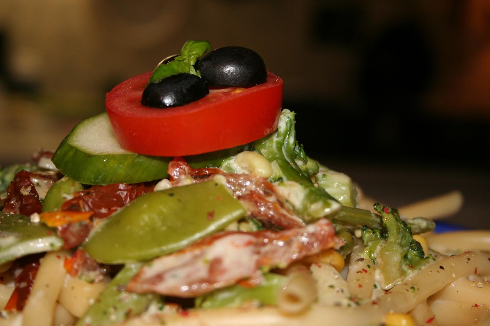 Makaróny se smetanovou zeleninkou