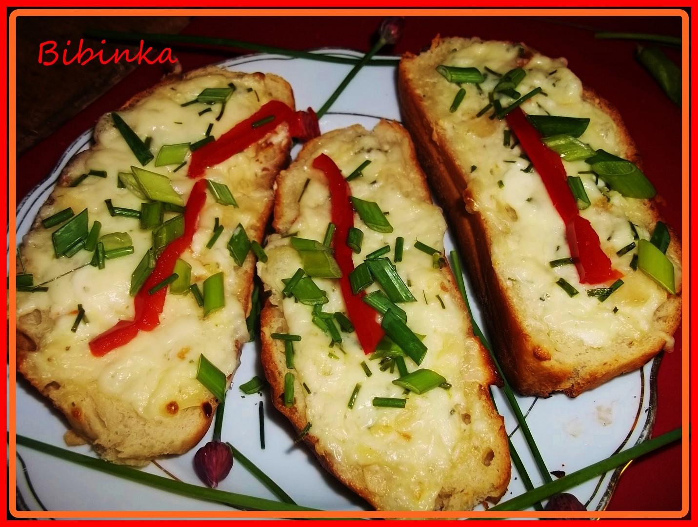 Mandlovo-sýrové tousty z trouby