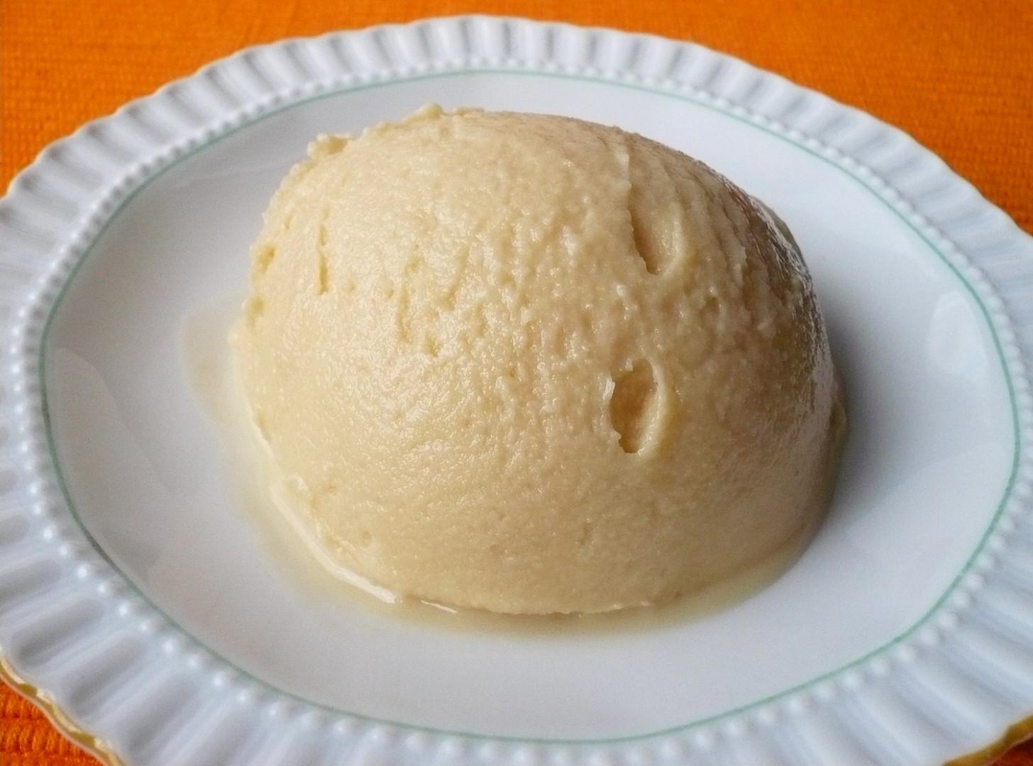 Mléčná karamelová zmrzlina