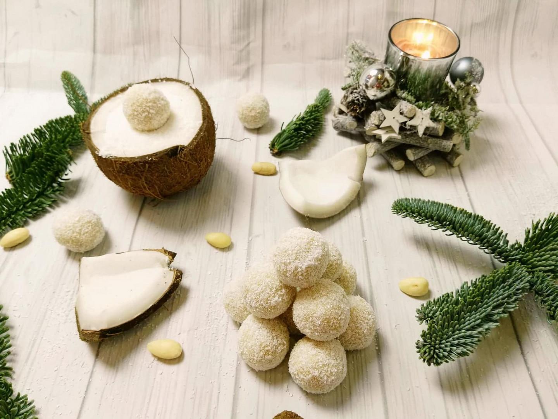 Nepečené rýžovo-kokosové kuličky Raffaello
