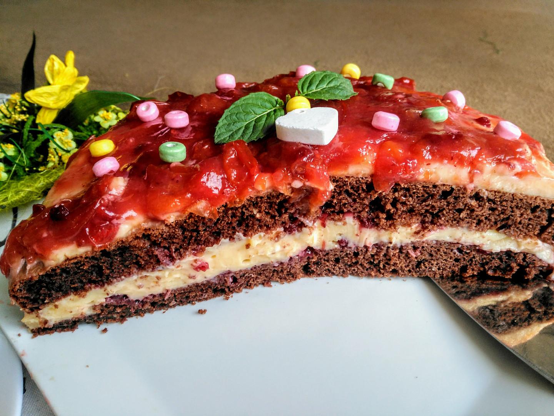 Osvěžující dort s mirabelkovým přelivem