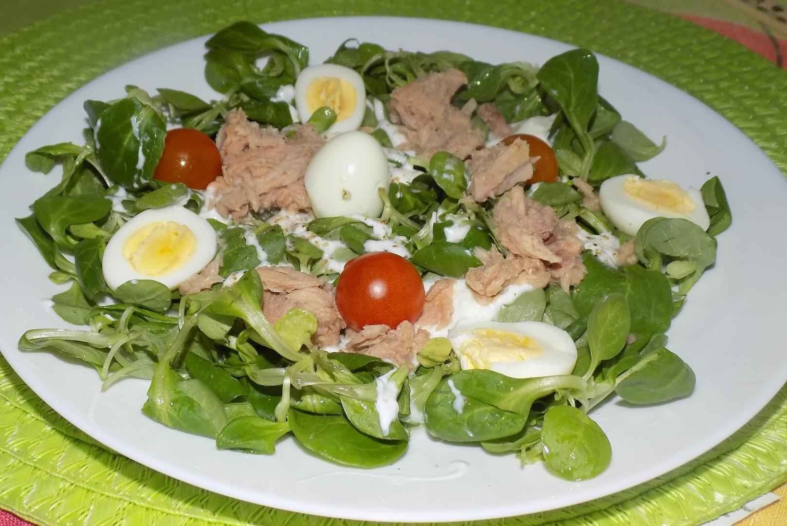 Polníčkový salát s křepelčími vajíčky
