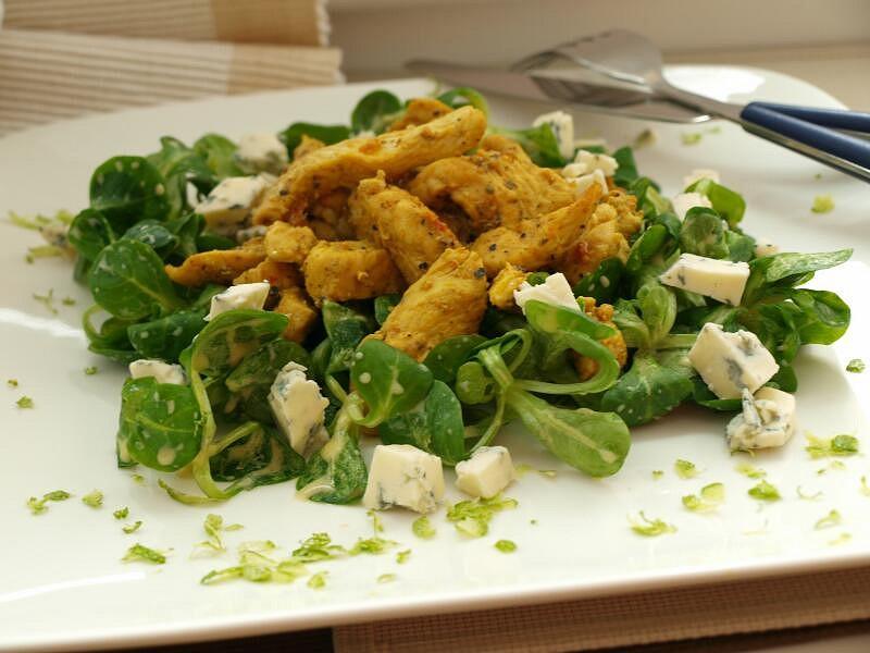 Polníčkový salát s kuřecím gyrosem
