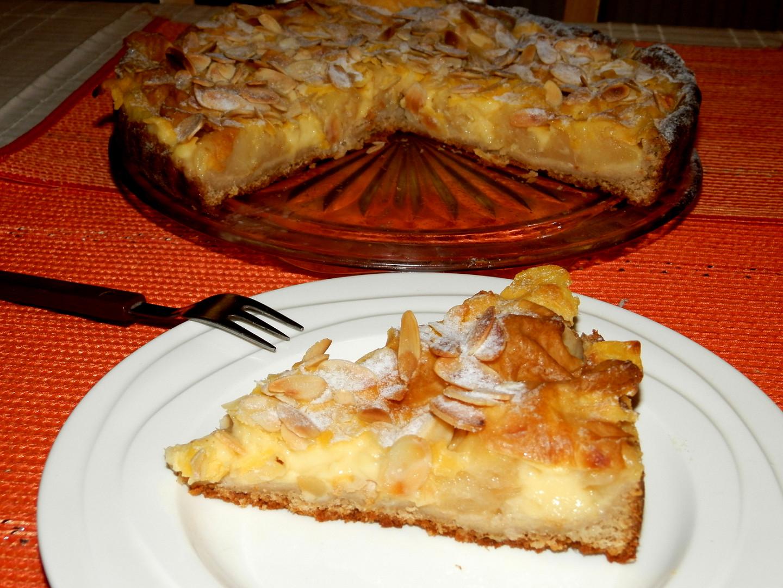 Pudinkový koláč s jablky a mandlemi