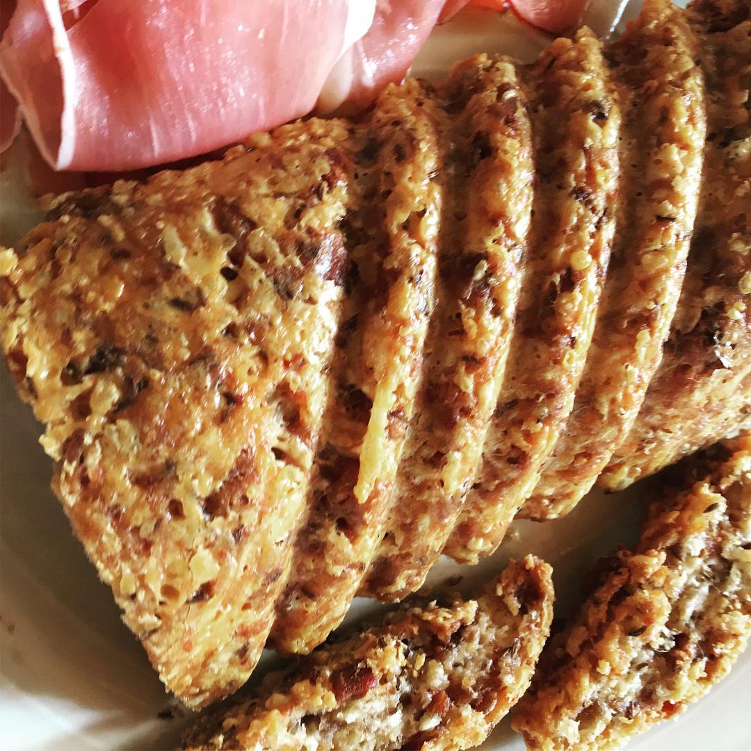 Škvarkový chleba bez mouky - skvělá variace na pagáčky