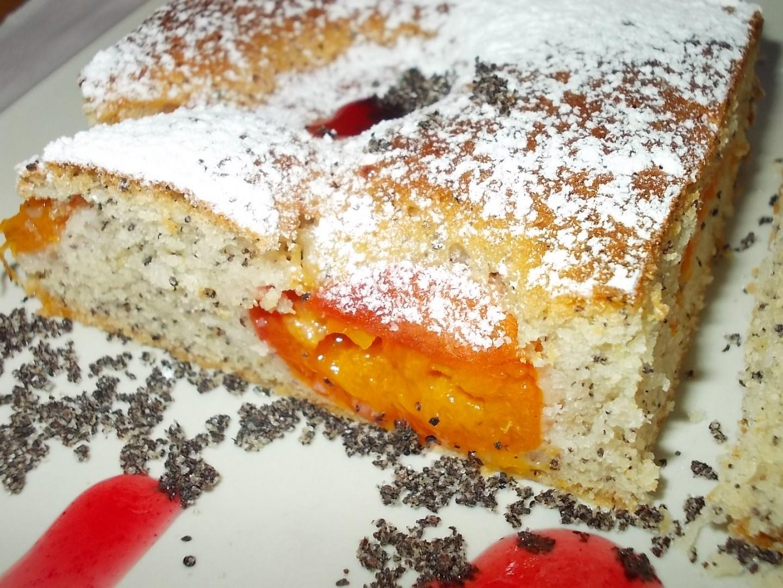 Šlehačkovo - maková bublanina s meruňkami