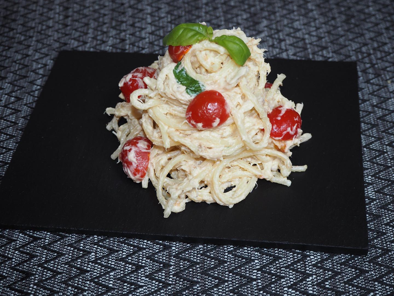 Špagety s uzenou makrelou