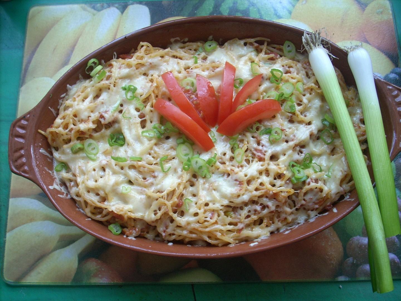 Špagety zapékané se sýrem