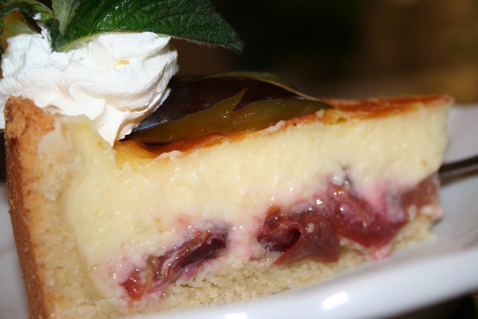 Švestkový koláč s vanilkovým krémem