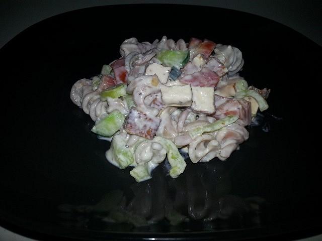 Těstovinový salát s marinovaným tofu