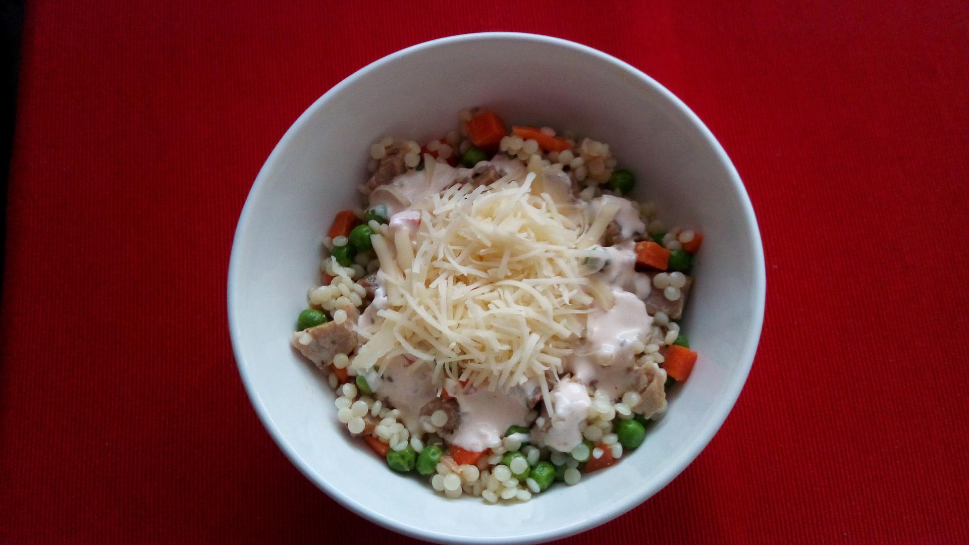 Těstovinový salát s masem