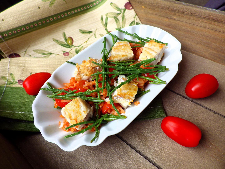 Tomatová rýže s treskou a slanorožcem