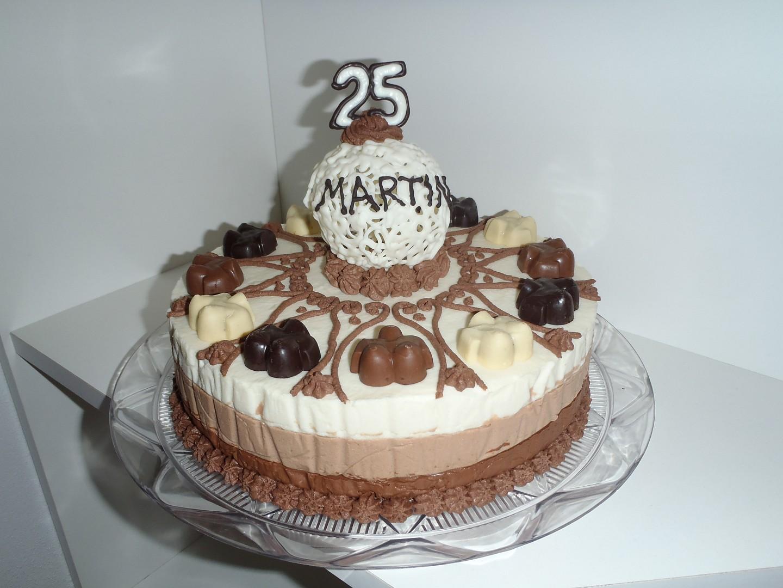 Tříčokoládový dort