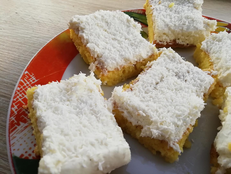 Trojmléčný koláč