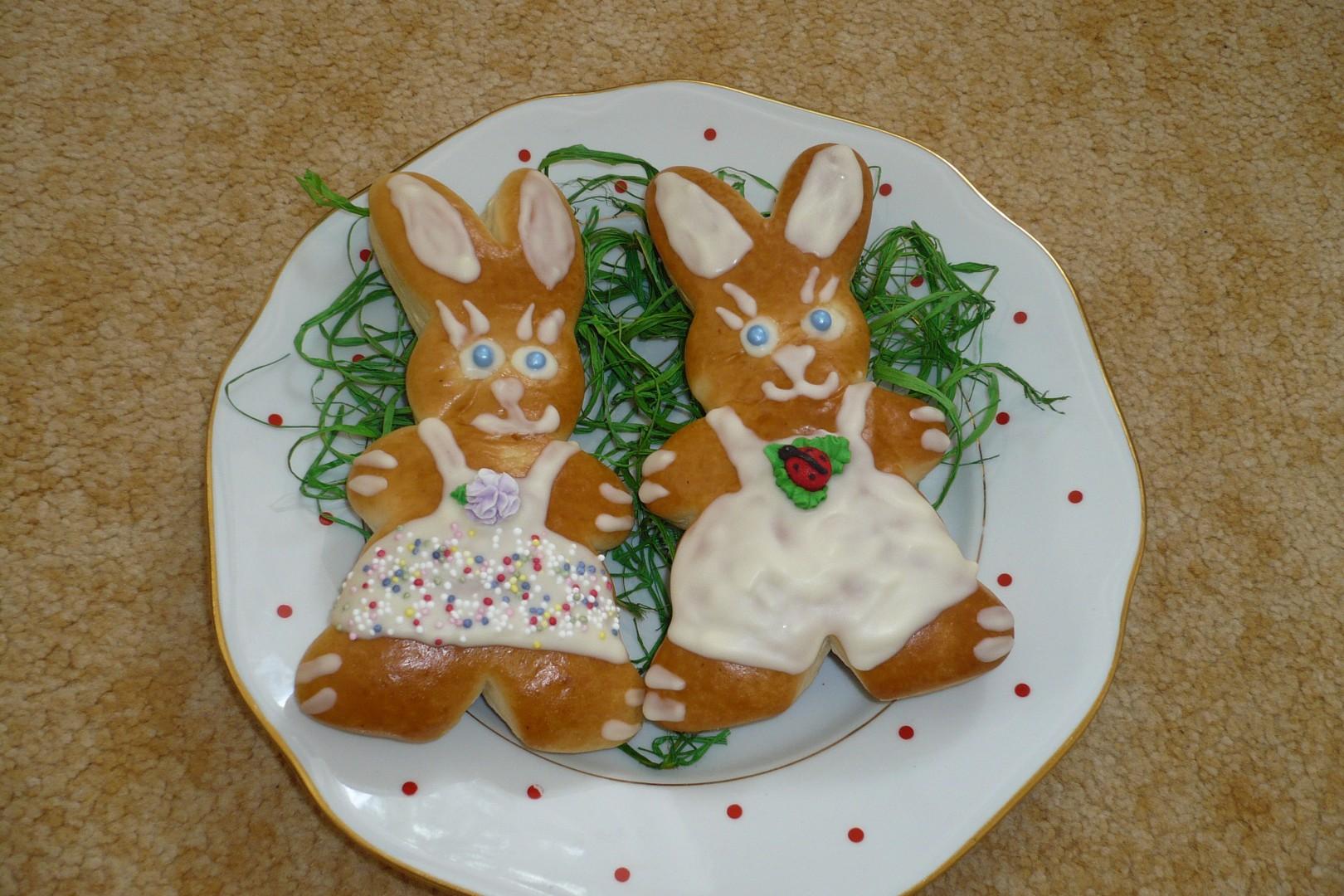 Velikonoční zajíčci - slavnostně nazdobení