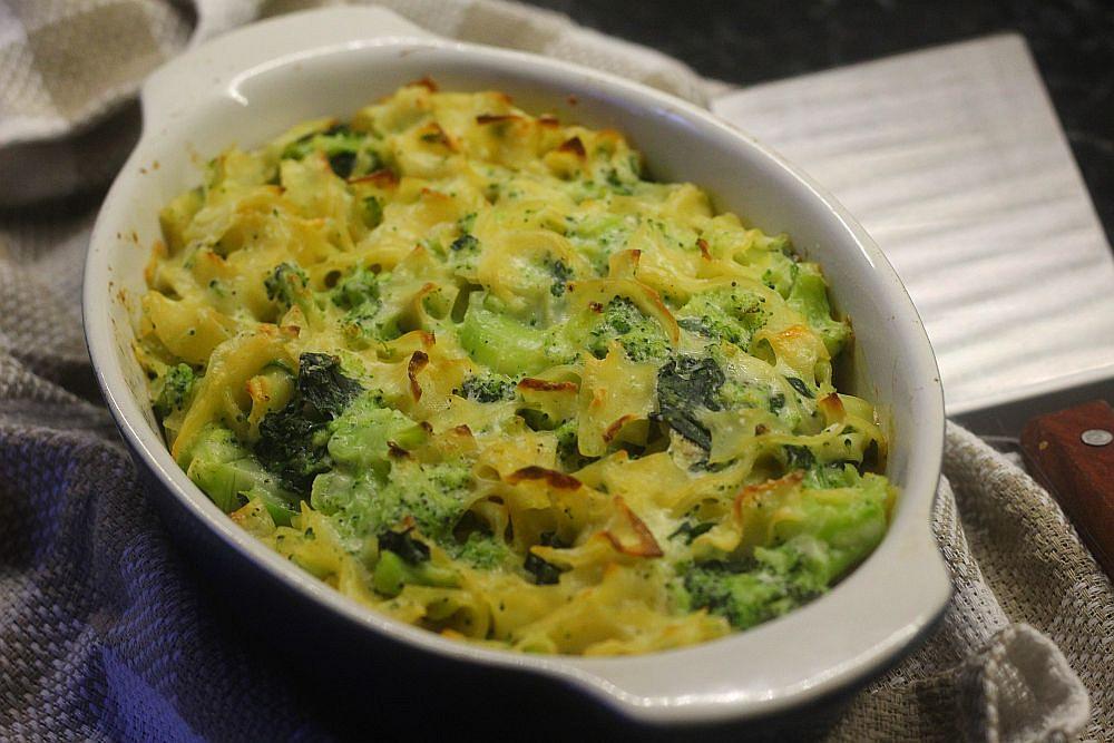 Zapékané těstoviny s brokolicí, špenátem a Blaťáckým zlatem